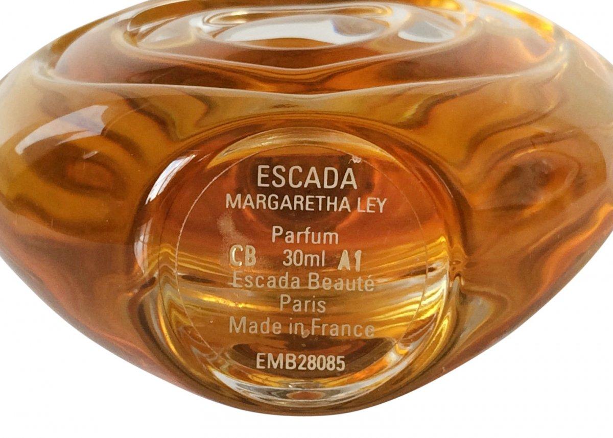 5b95bcf3510d ... Escada Margaretha Ley (Parfum) (Escada) ...